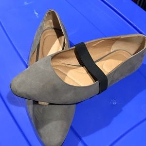 Grey with black band flats